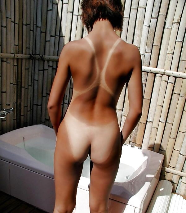 Butt naked girls tanlines — pic 14