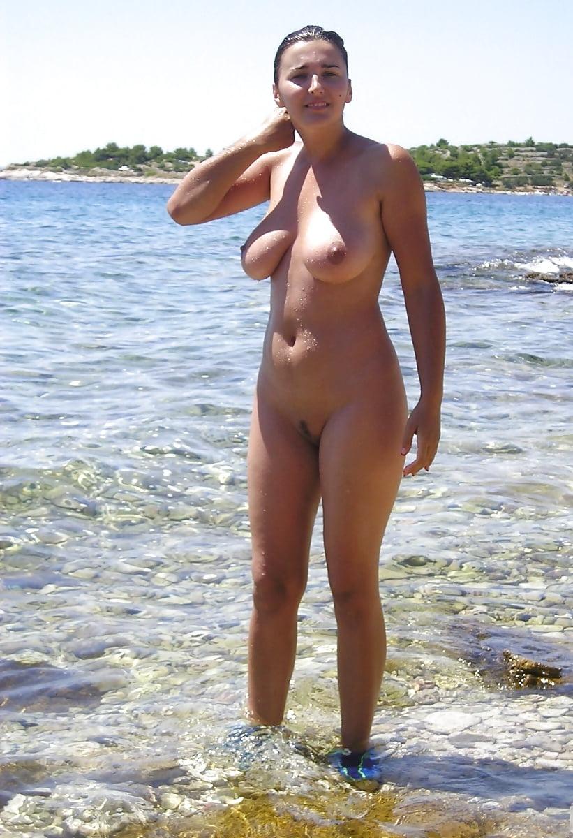 фото голых русских жен на курорте тому назад