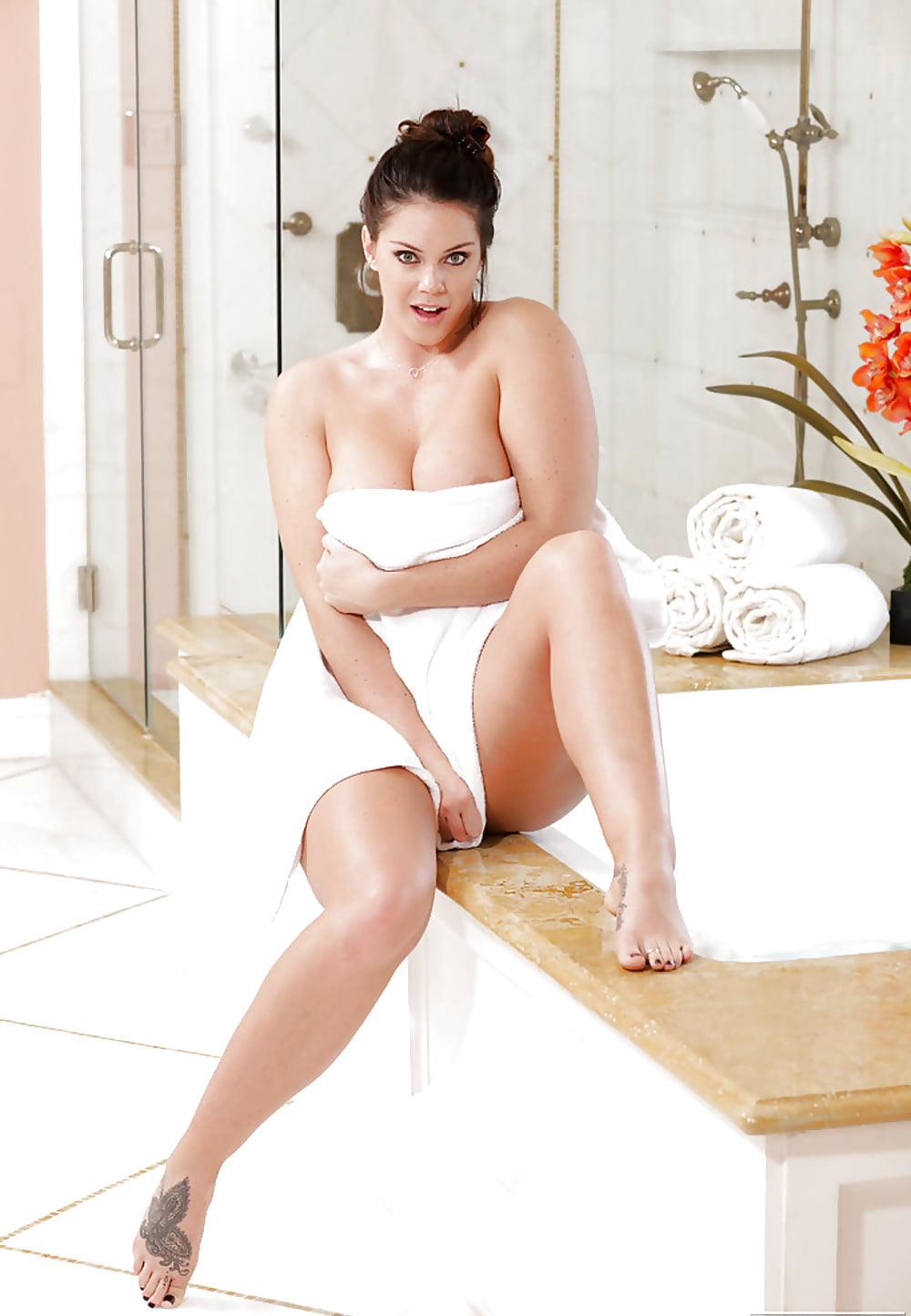 tall-big-boobs-nude