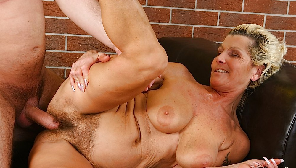 Extreme mature sex hot mature women getting fucked hard on the best free mature sex pics