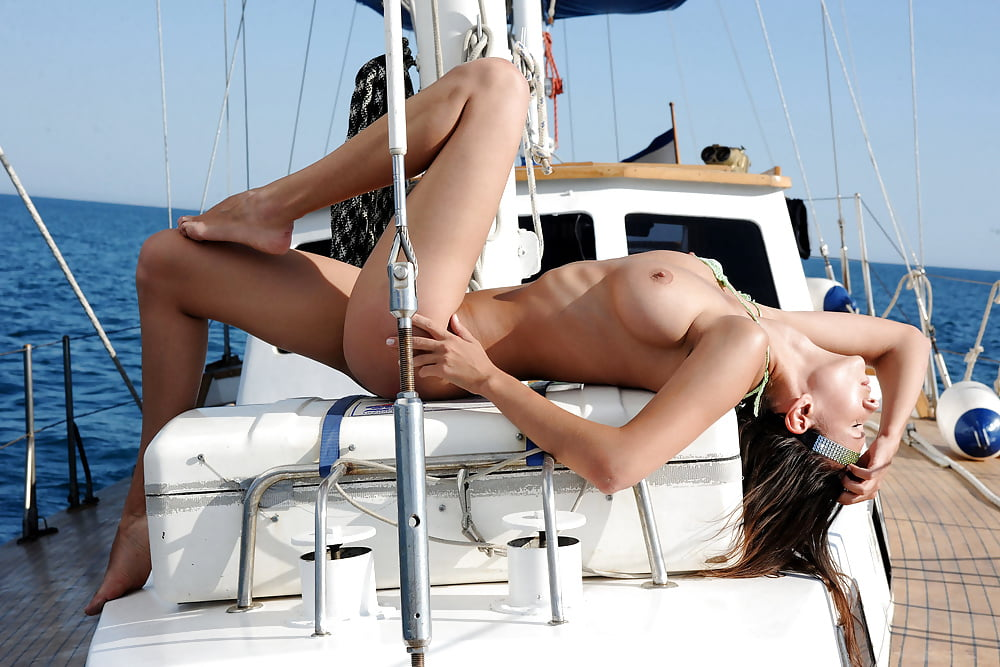 Sexy sailing pics — photo 3