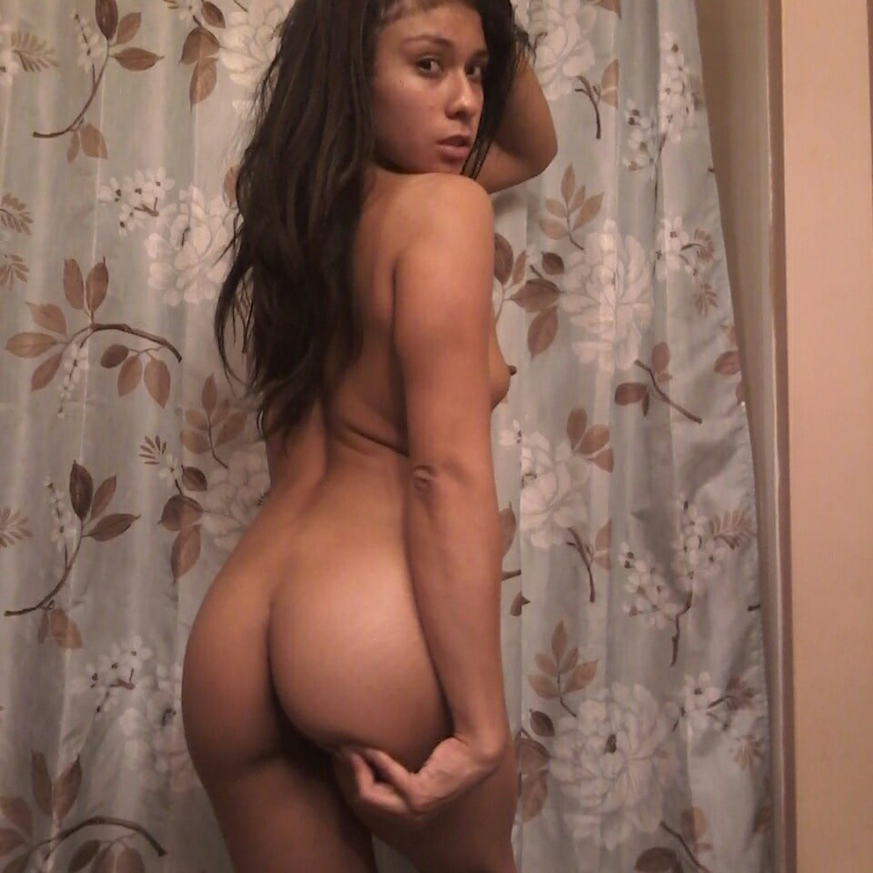 Gabrielle nude pics — img 2