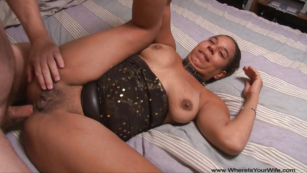 Fuckable large tits milf