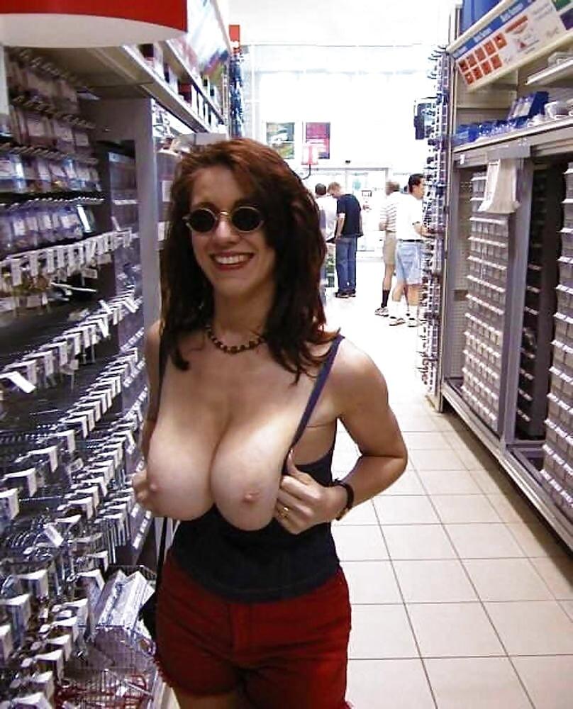 Big boobs flashing
