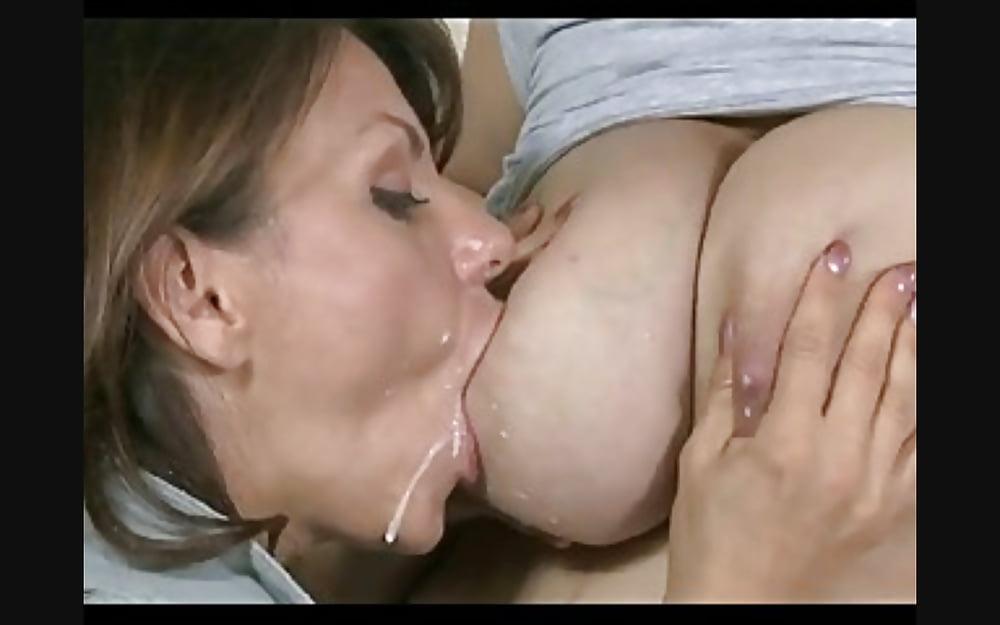 молоко порно сосать из груди - 4