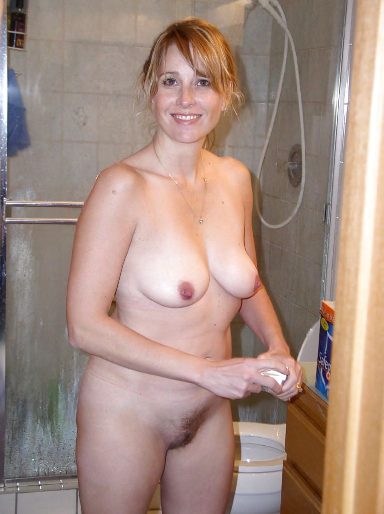 foto-golie-zrelie-mamochki-porno-zhena-sosedom