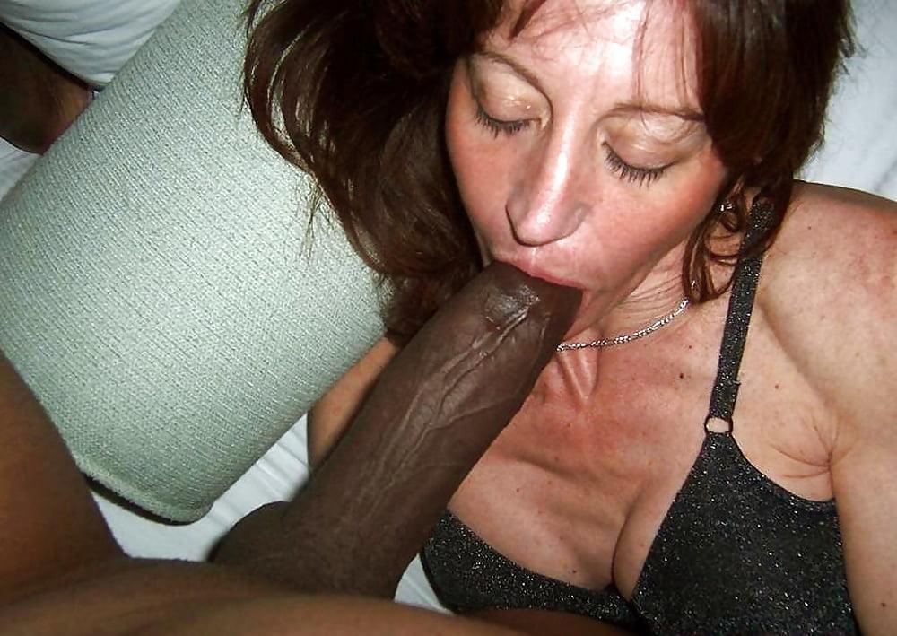 Wife sucking big cock