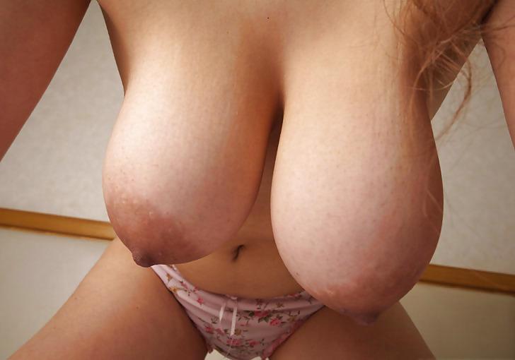 Curvy Mature Saggy Tit Pics