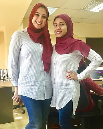 Sharmota hijab egypt pressing on pink tit nipple - 3 part 2