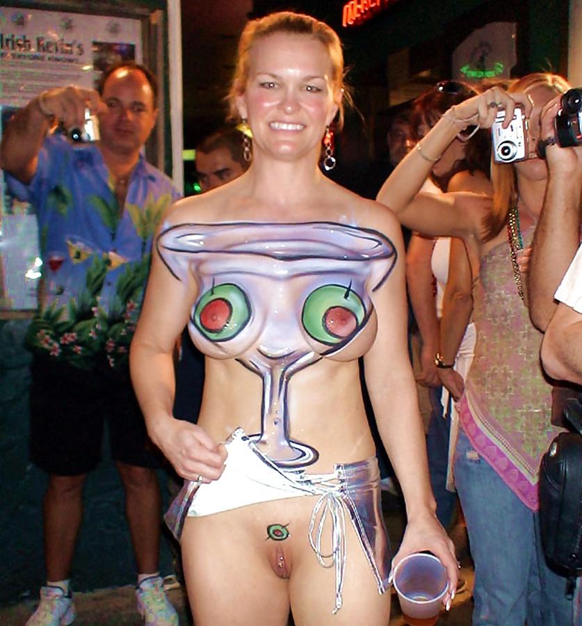 nude-females-at-fantasy-fest-samus