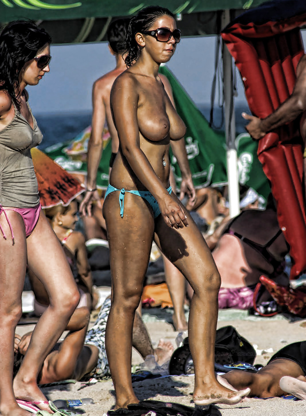 Beach fun naked-5639