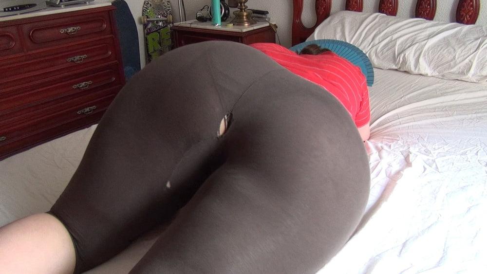 Cumshot on yoga pants girls pussy pic