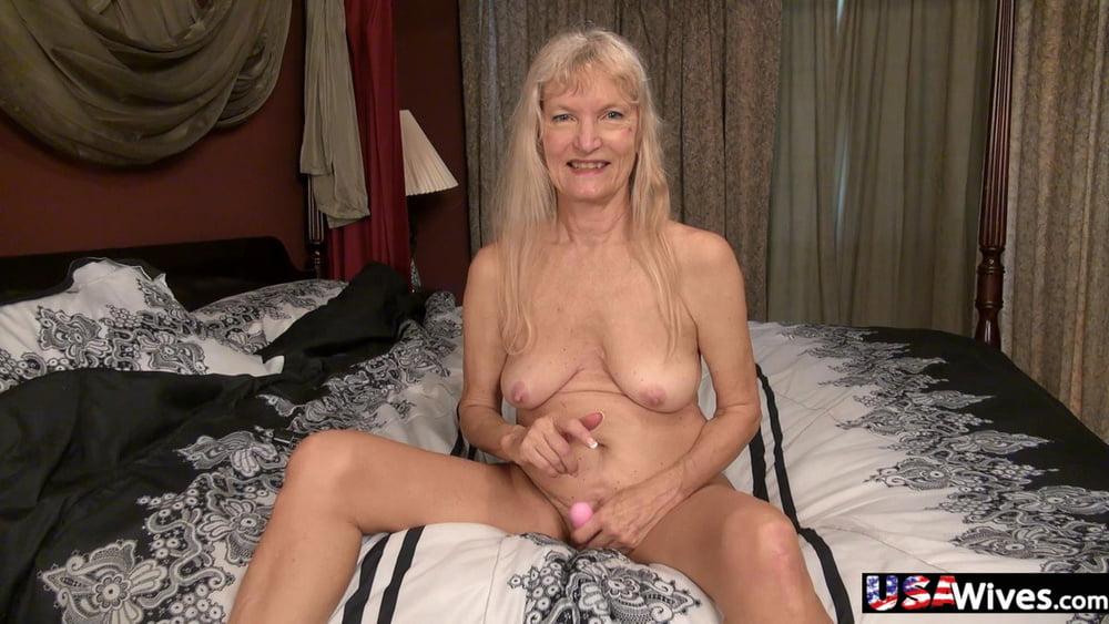 Hot babes with big natural tits-4612