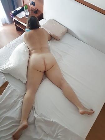 Big Ass Wife Nude