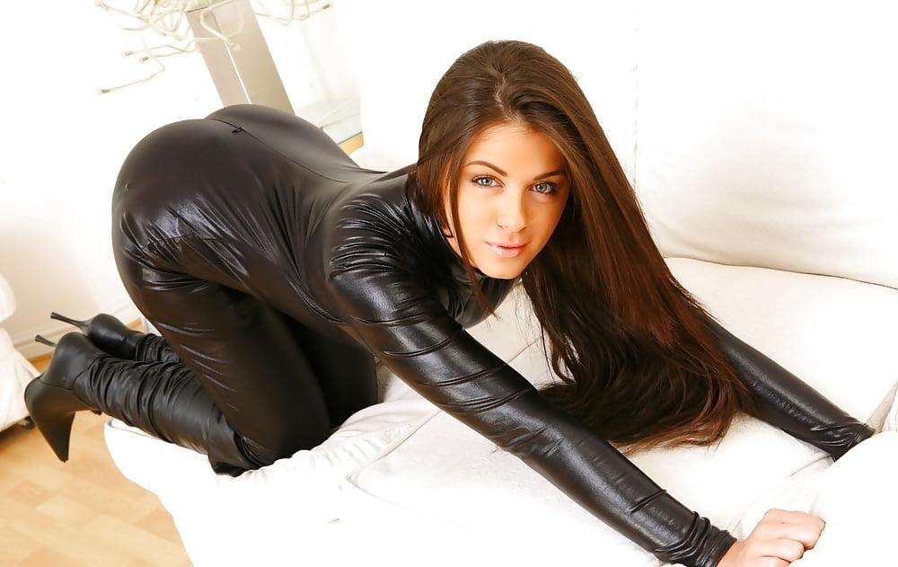 Фото секси девушек в кожаных штанах — pic 6