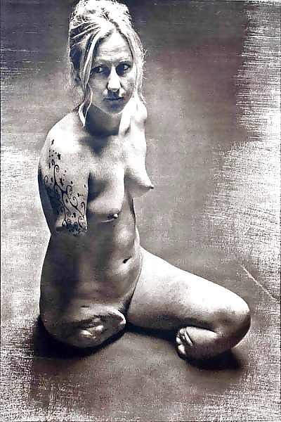 amputee-femalesex-nude-handcuffed-street