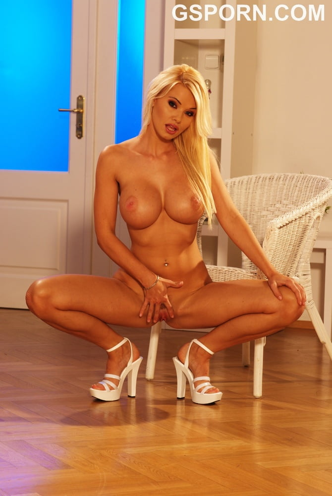Hot busty blonde Caylian Curtis masturbating with dildo - 50 Pics