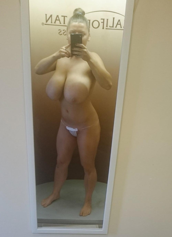spray-tan-boobs