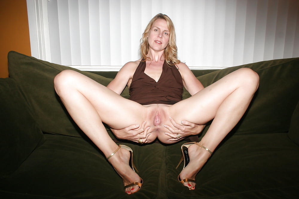 My horny pregnant wife got hot creampie in her tight pussy