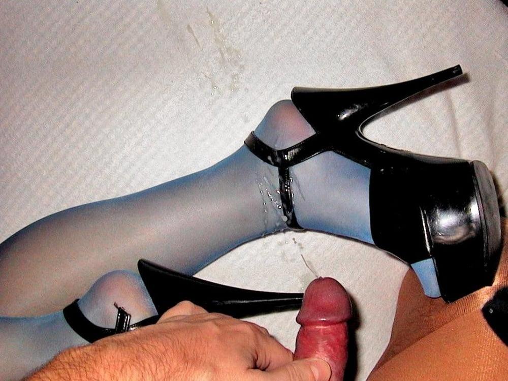 smotret-porno-roliki-obuvnogo-fetisha