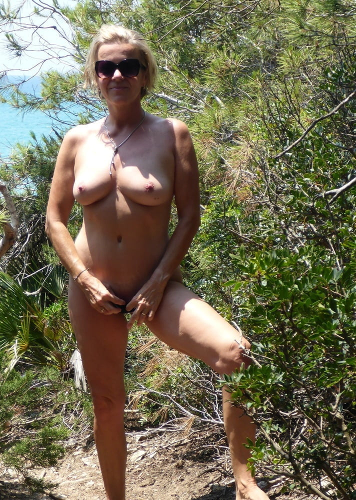 Outdoor Naked Wives #2303 (Wedding Ring Swingers)