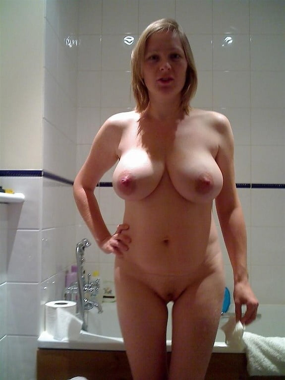Mother nude amateur — photo 12