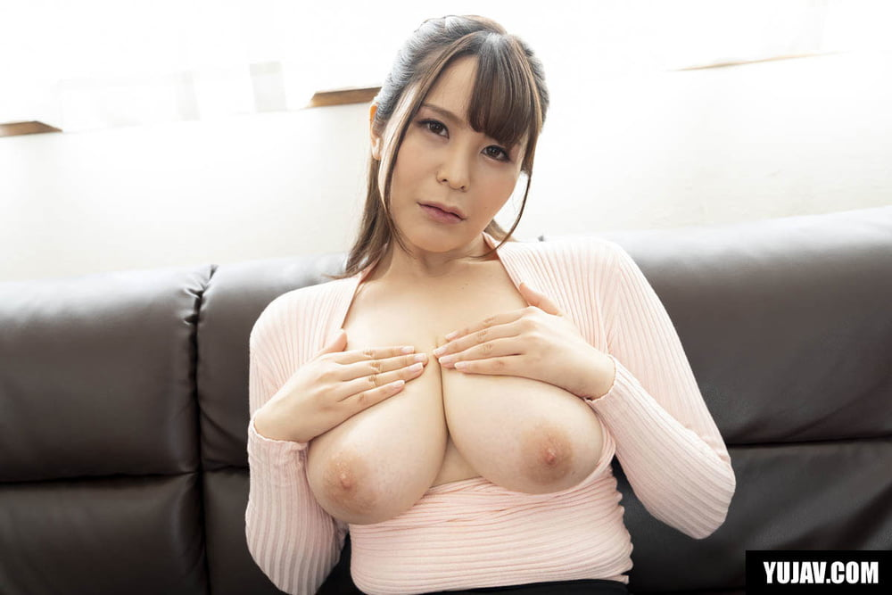 Casting Couch Japanese Babe With Nice Boobs - 21 Pics