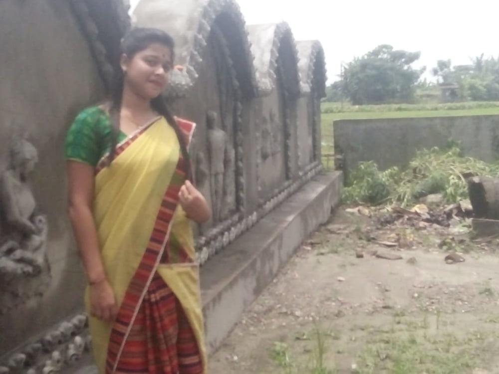 Assamese girl big boobs - 6 Pics