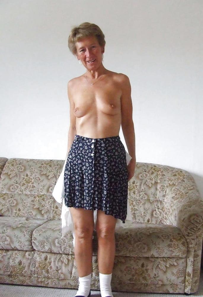 Granny Christina gets naked - 32 Pics