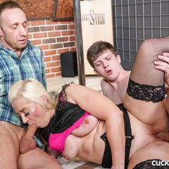 Married Couple Find A Twink To Play With At OldieX