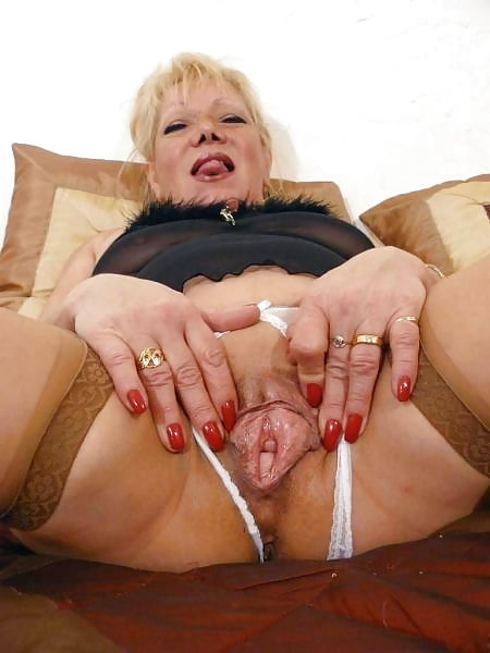 Naked mature gallery-1647