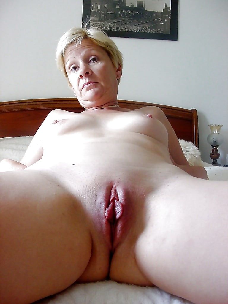 Taking first ameture mature pussy photos boob squish
