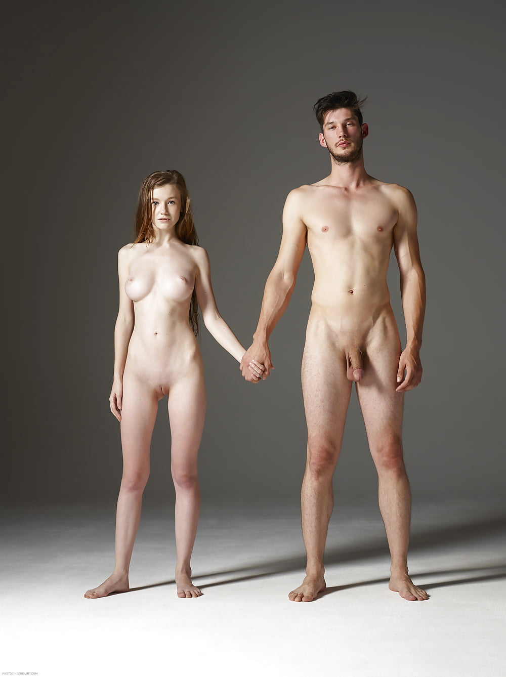 naked-man-behind-girl