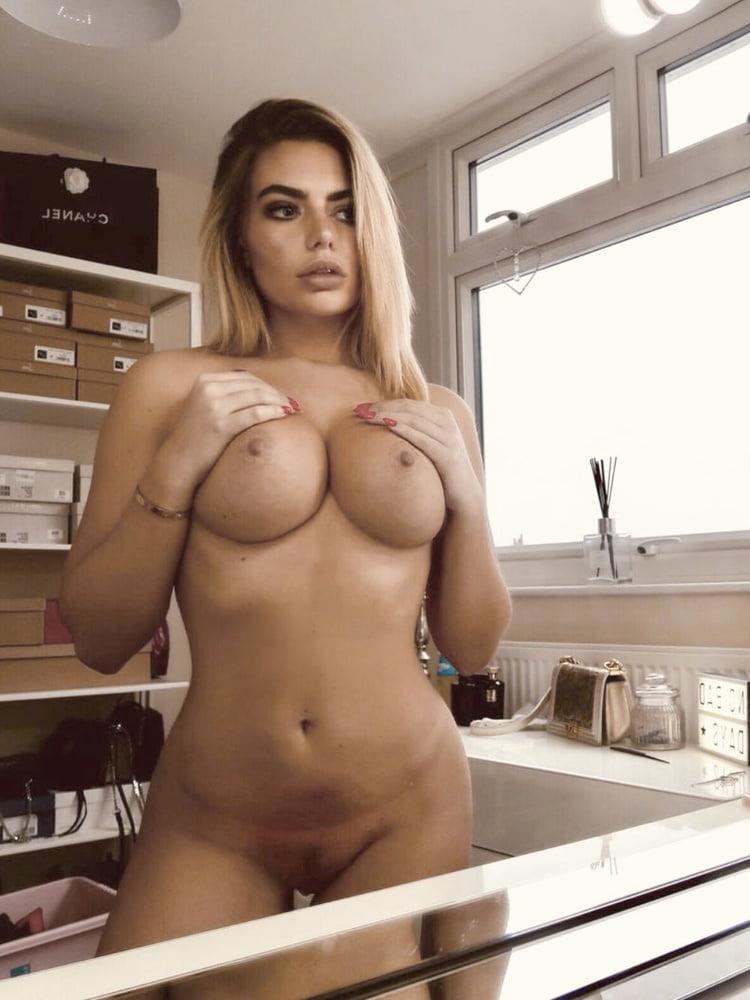 Nackt Megan Barton-Hanson  Megan barton