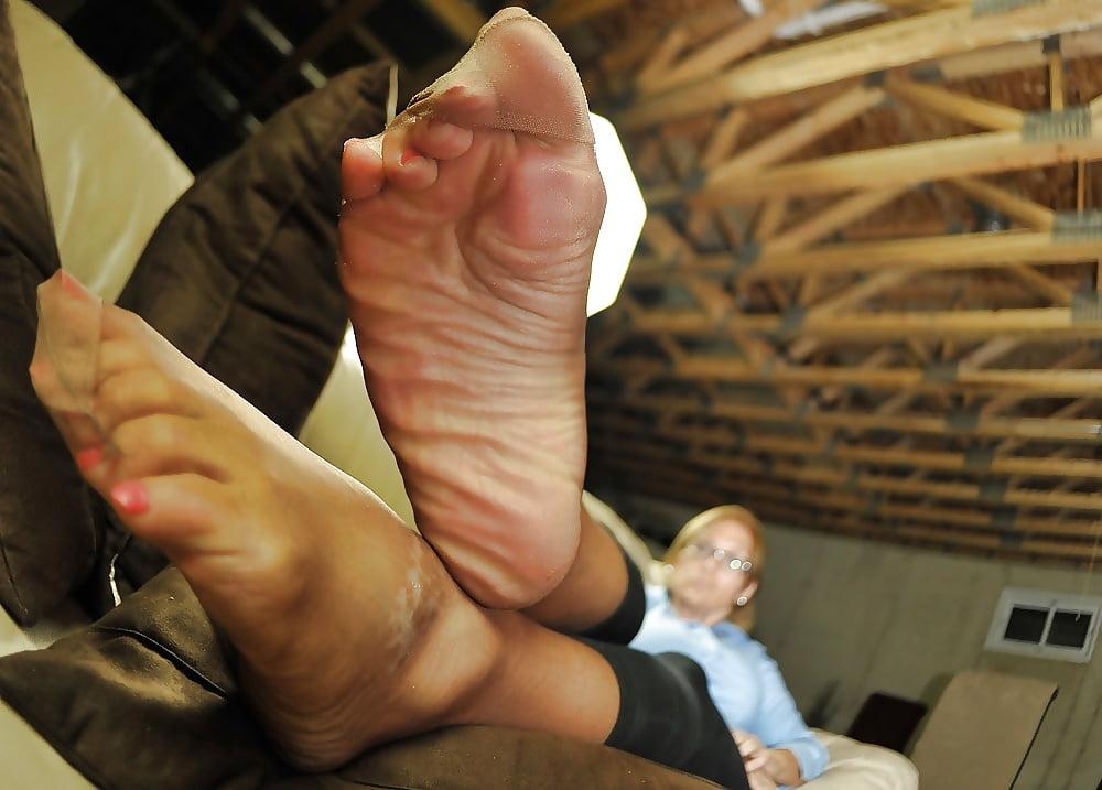 Nylon Feet Sniffing Handjob