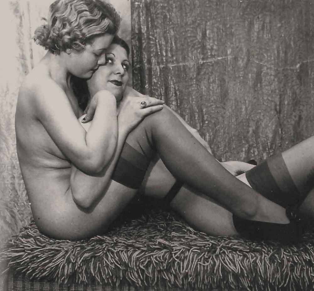 lesbiyskie-retro-filmi-ginekologiya-porno-video
