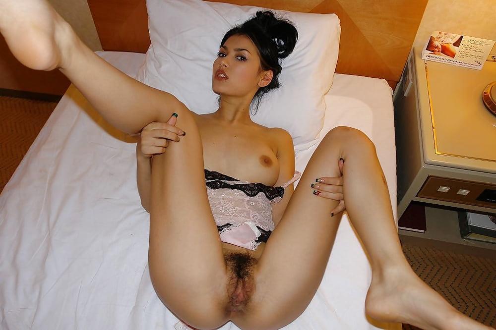 Horny Asian Princess Maria Ozawa Gets Her Muff Fingered And Licked