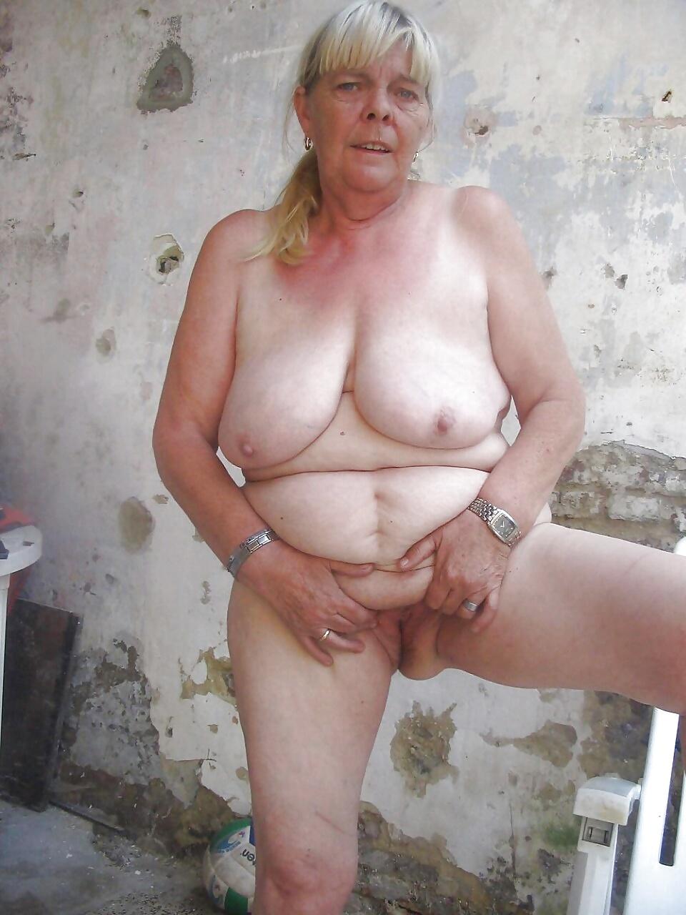 начинает толстые старые голые женщины фото утра трахнул школьными
