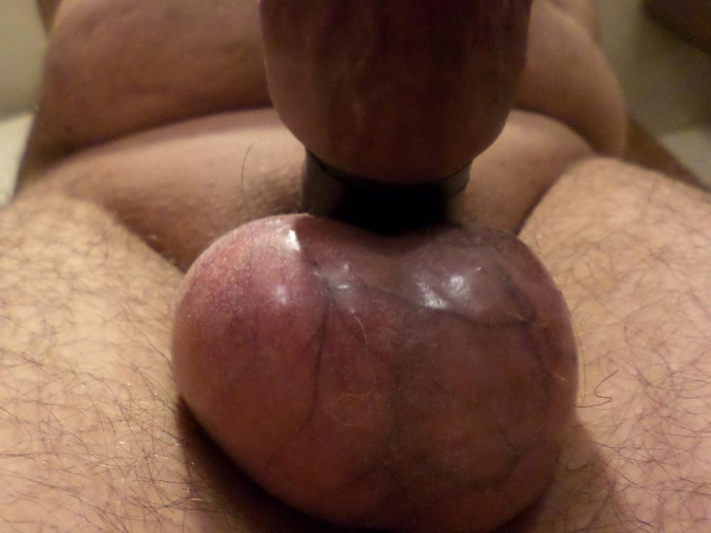Sex pulling balls