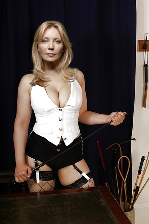 Kirsty Young Nude