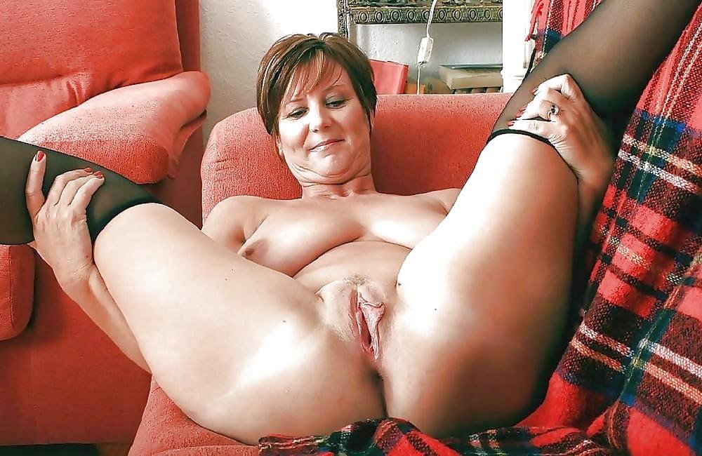 Приподнимает девушку супер порно фото матюрки чкаловской нижний новгород
