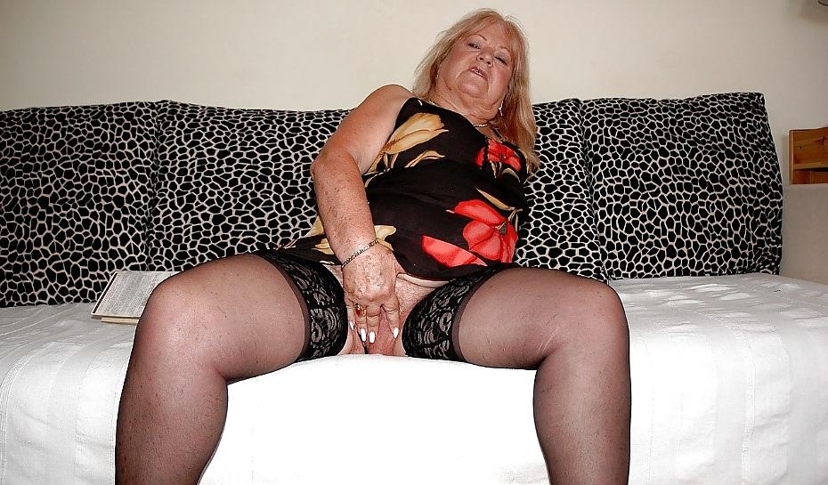 Sexy Oma Nackt