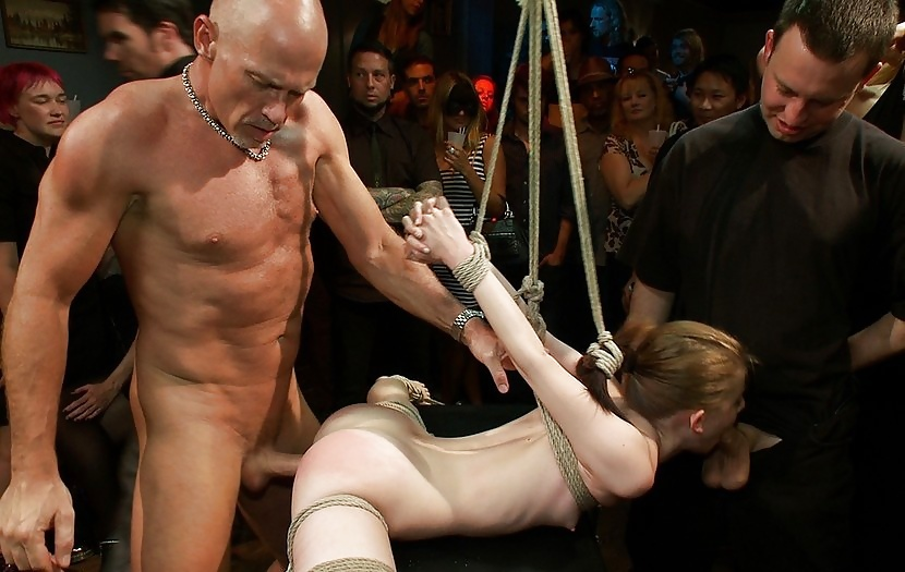 прилюдное наказание порно решили
