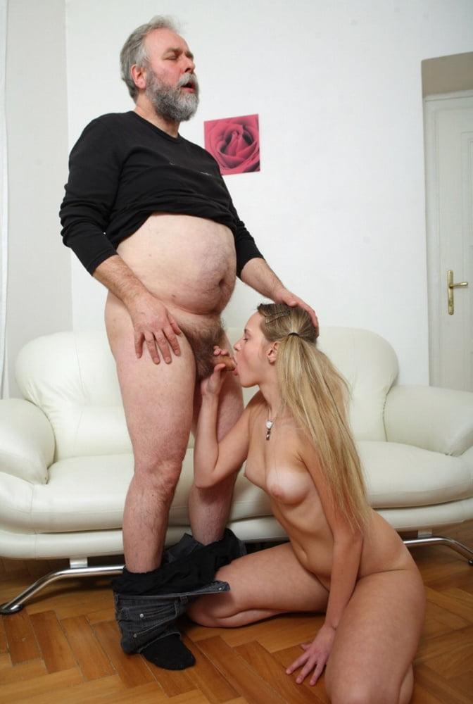 Секс домохозяек со стариками — pic 13