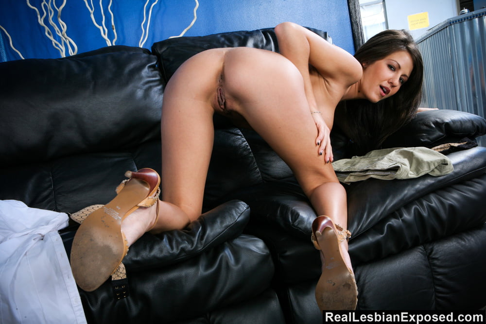 RealLesbiansExposed - Brynn And Lexi Plunging Dildos