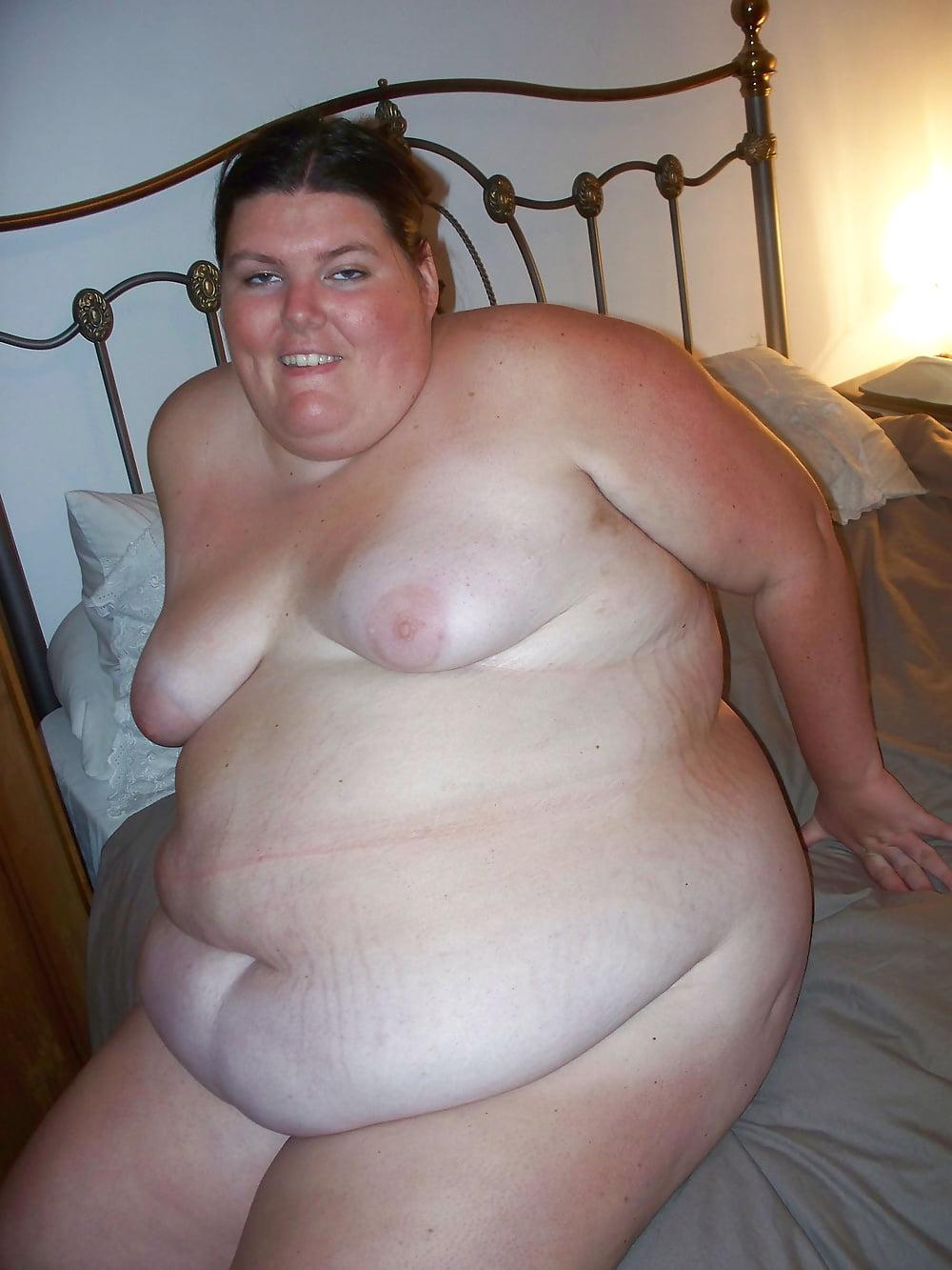chubby tit Brunette