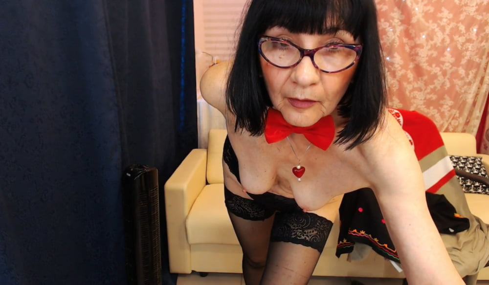 Old granny webcam porn
