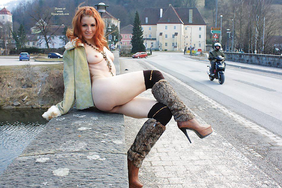 Office naked girl with a coat on peliculas pornos por