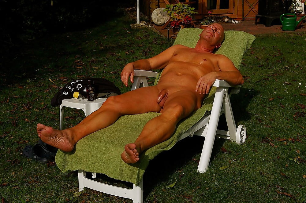 nude-men-shows-free-videos