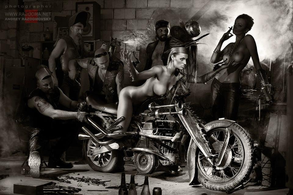 В гараже эротика — img 12